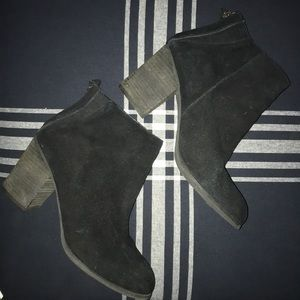Urban outfitters ecote black suede booties